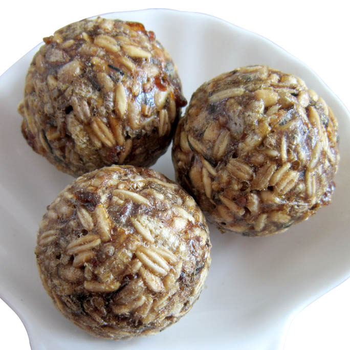 Seeds & Mealworms Ball ( 3cm )